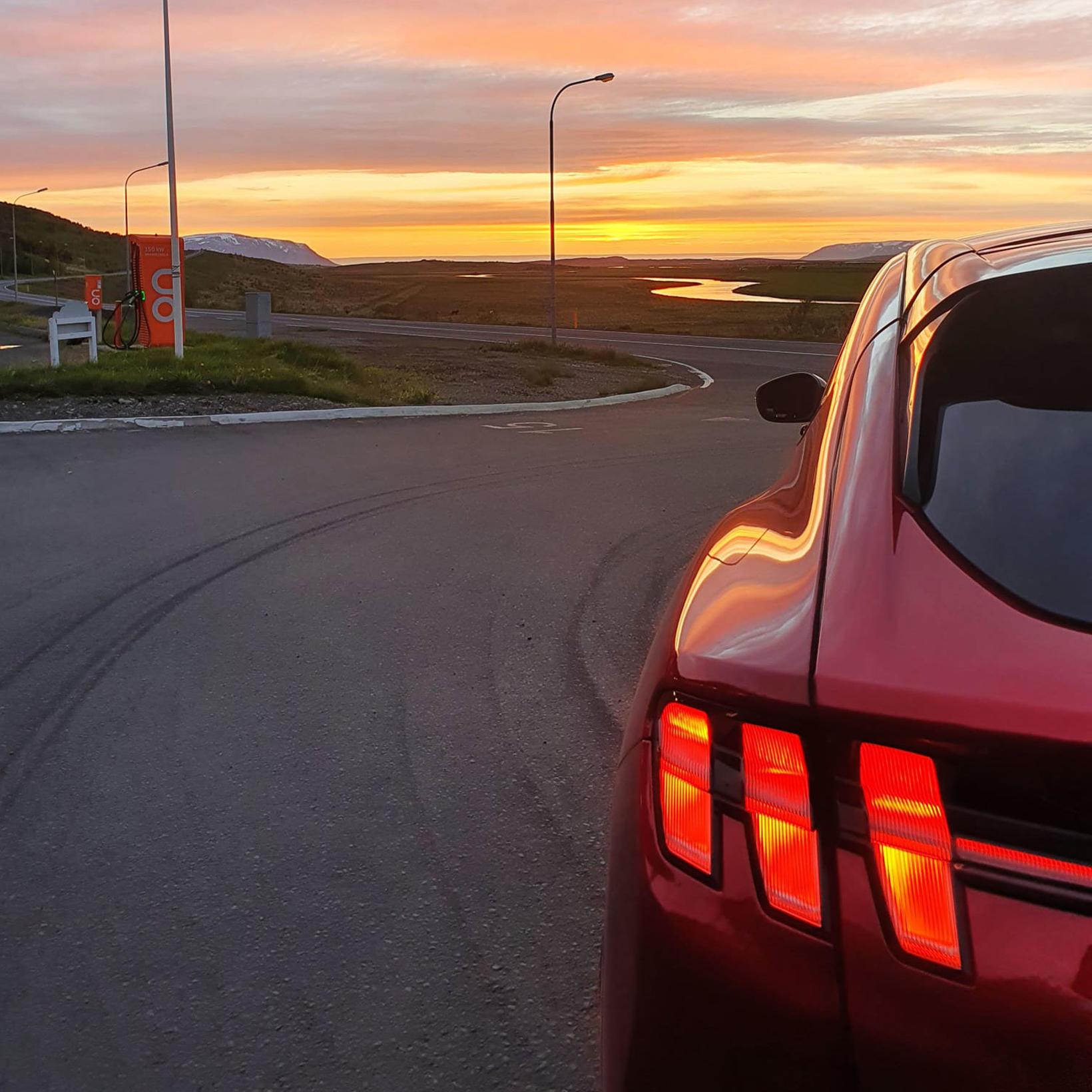 Ford Mustang Mach-E rafbíllinn er kominn til landsins.