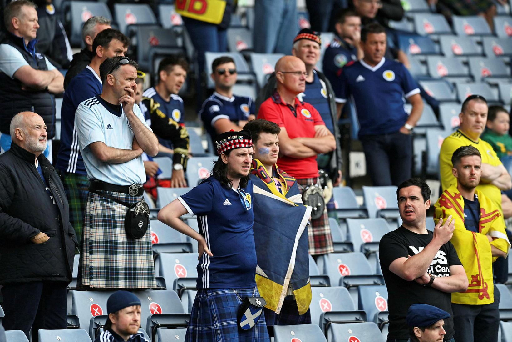Stuðningsmenn Skotlands gátu ekki leynt vonbrigðum sínum.