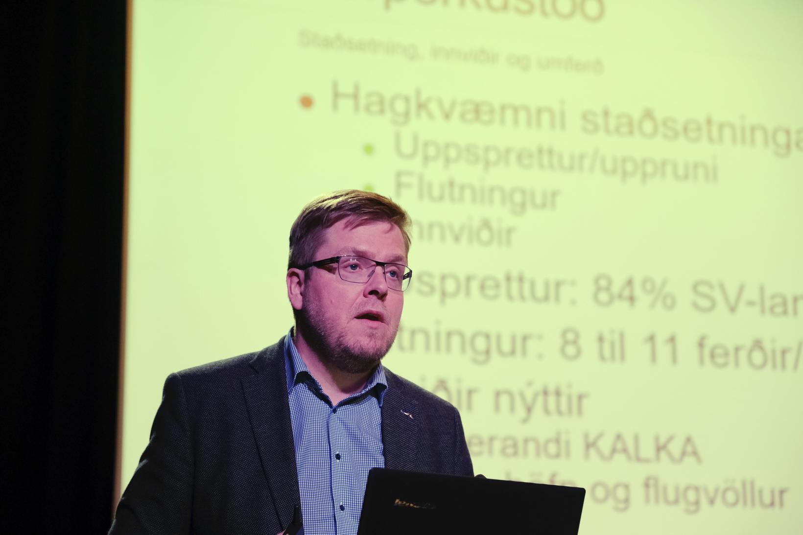 Karl Eðvaldsson kynnti hugmynd um sorporkustöð á kynningarfundi um sjálfbæra …
