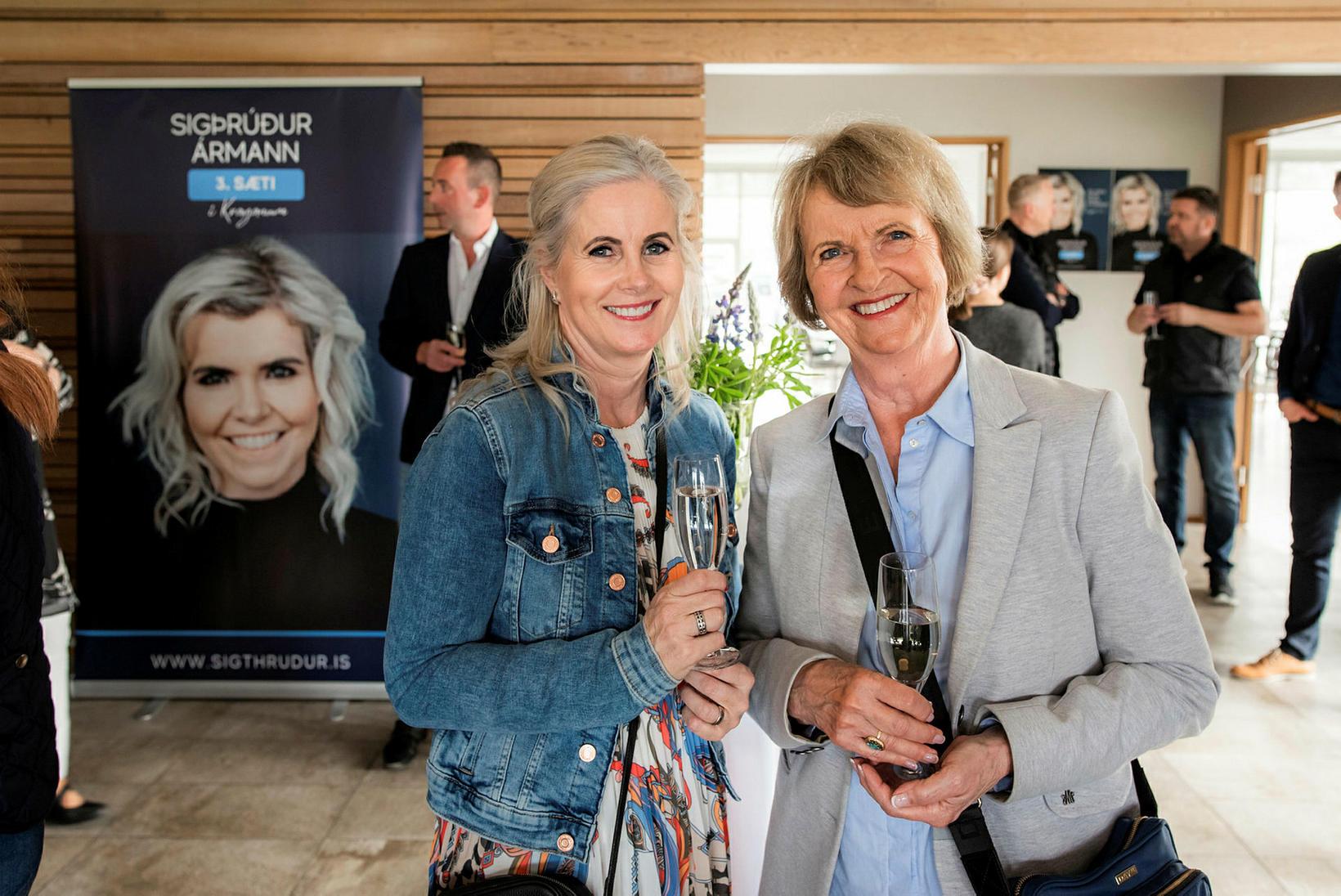 Erna Gísladóttir og Gullveig Sæmundsdóttir.