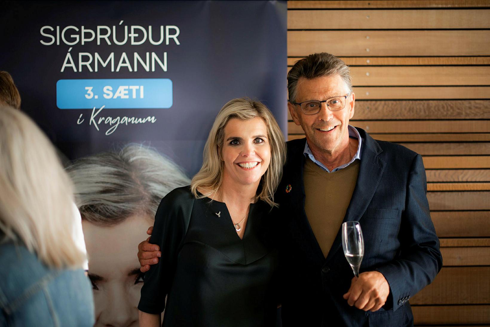 Sigþrúður Ármann og Gunnar Einarsson bæjarstjóri í Garðabæ.