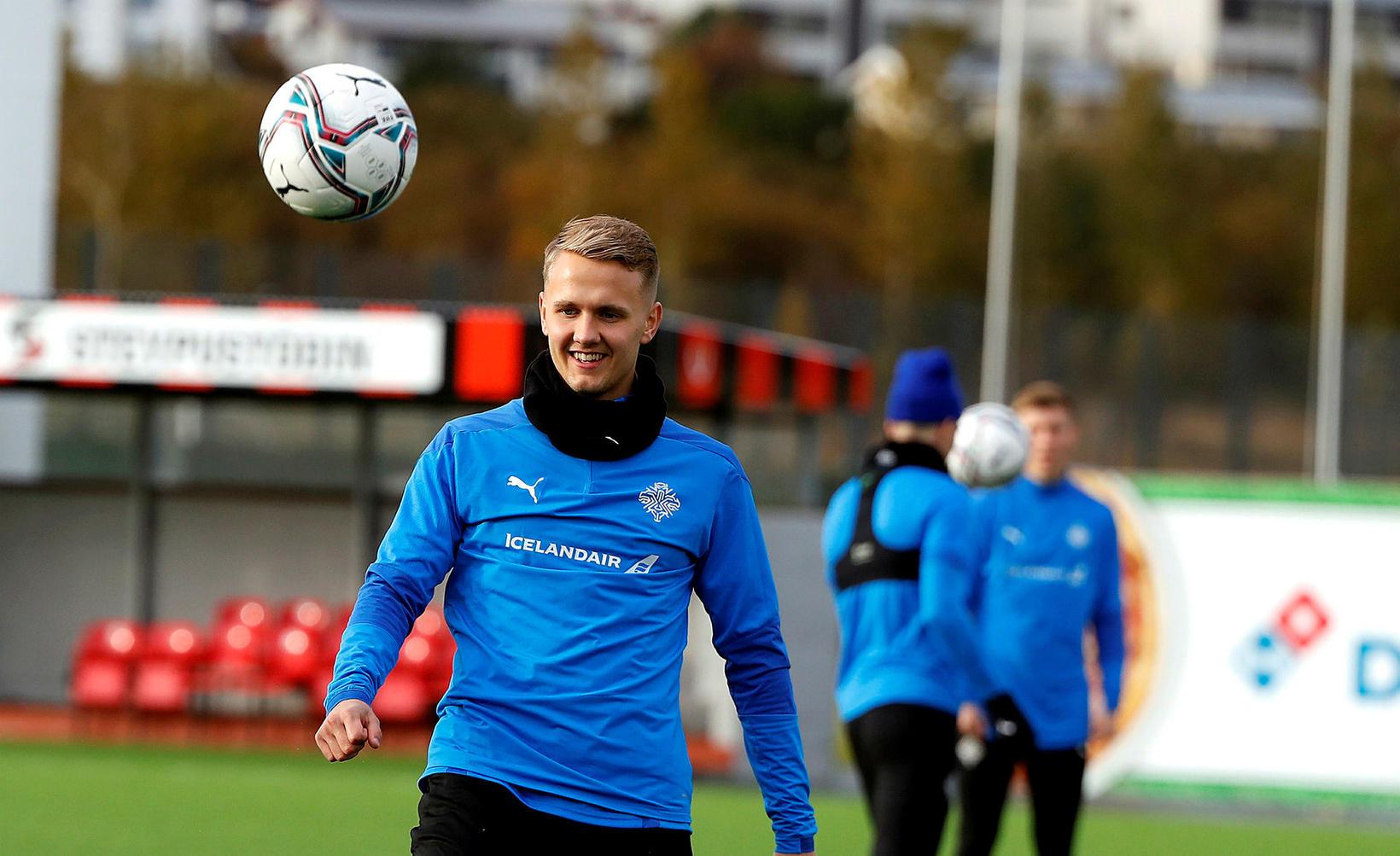 Ísak Óli á æfingu með U21-árs landsliðinu.