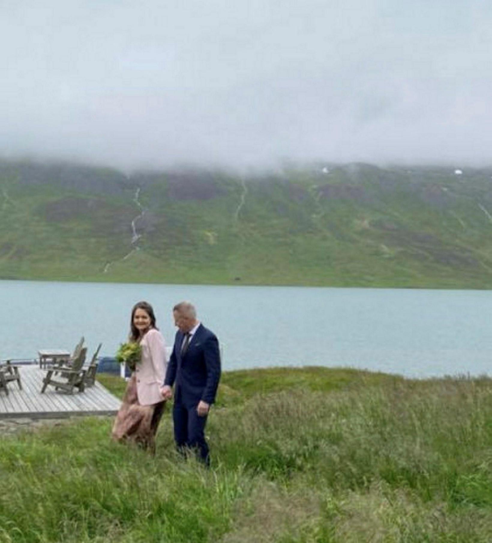 Astrid Boysen og eiginmaður hennar Birgir Gunnarsson, bæjarstjóri Ísafjarðarbæjar, giftu …