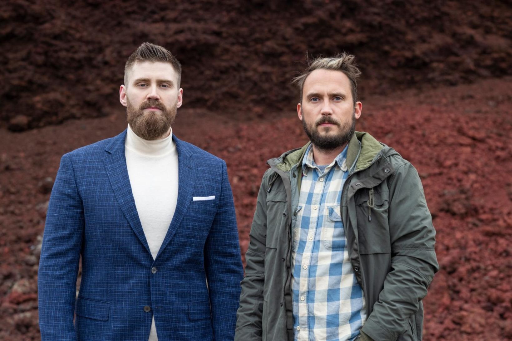 Robert Francis og Davísð Guðmundsson standa á bak við Hemp …