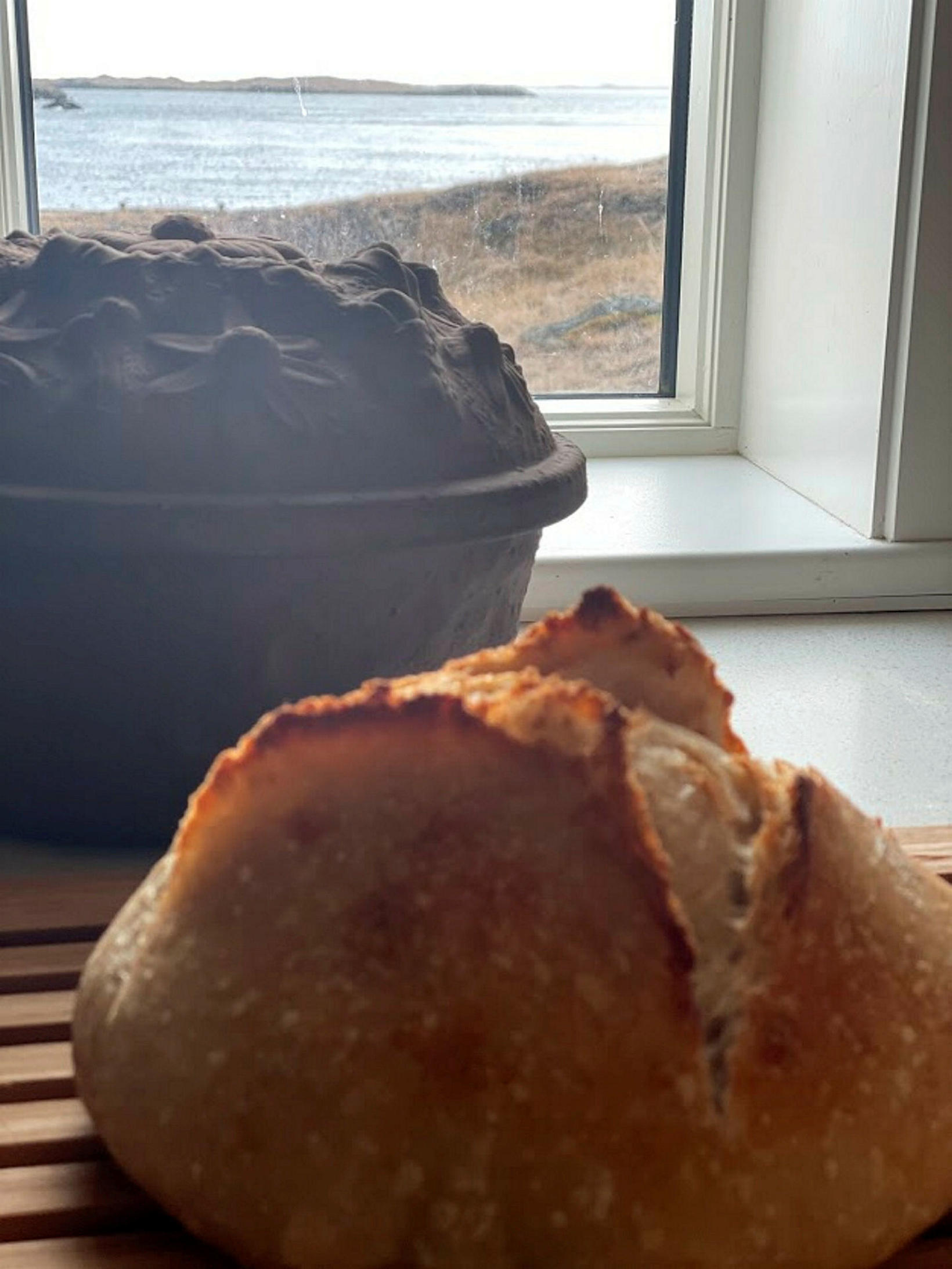 Guðríður bakar og eldar aðeins öðruvísi mat í sveitinni.