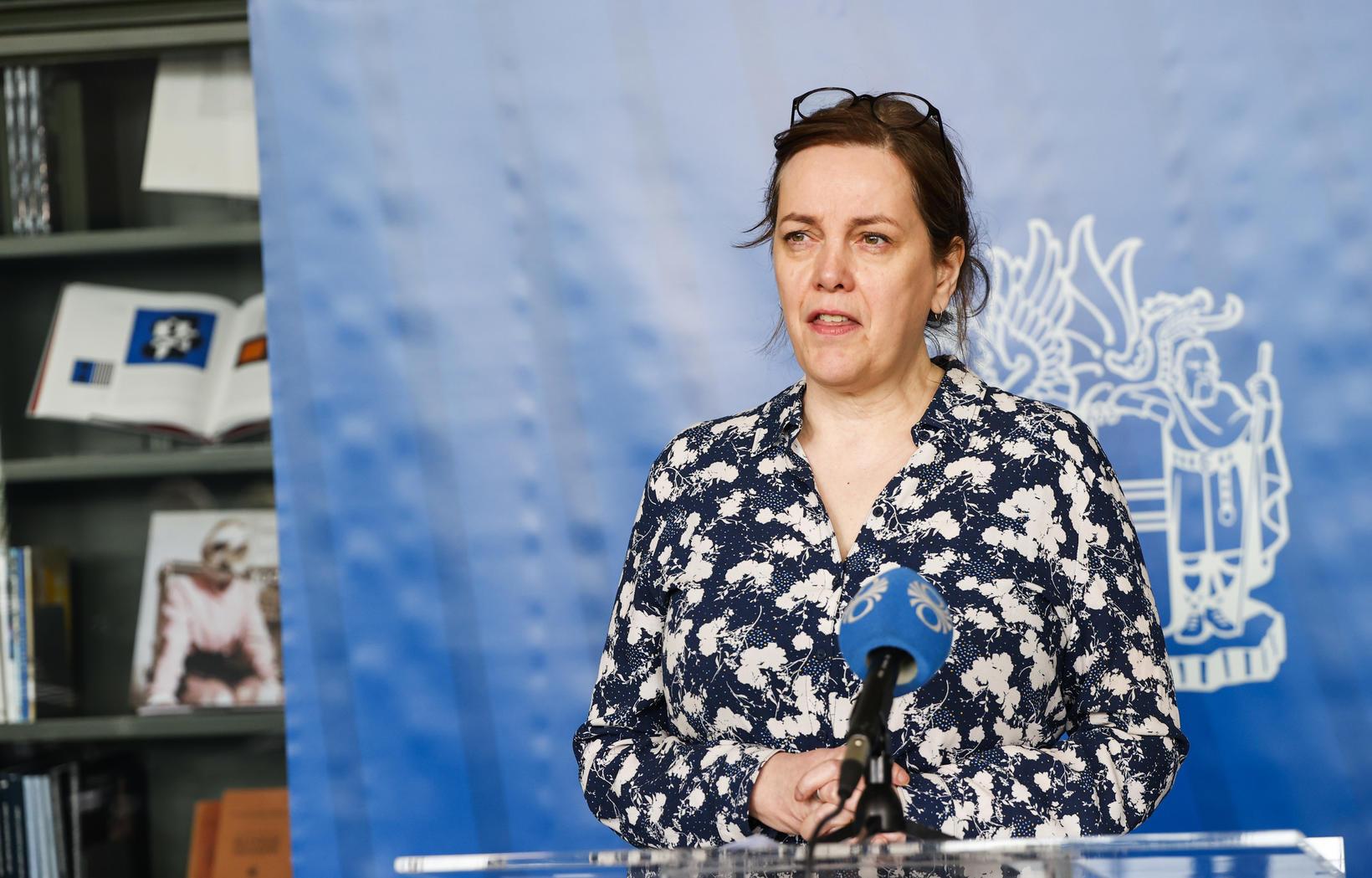 Svandís Svavarsdóttir á blaðamannafundinum í dag.