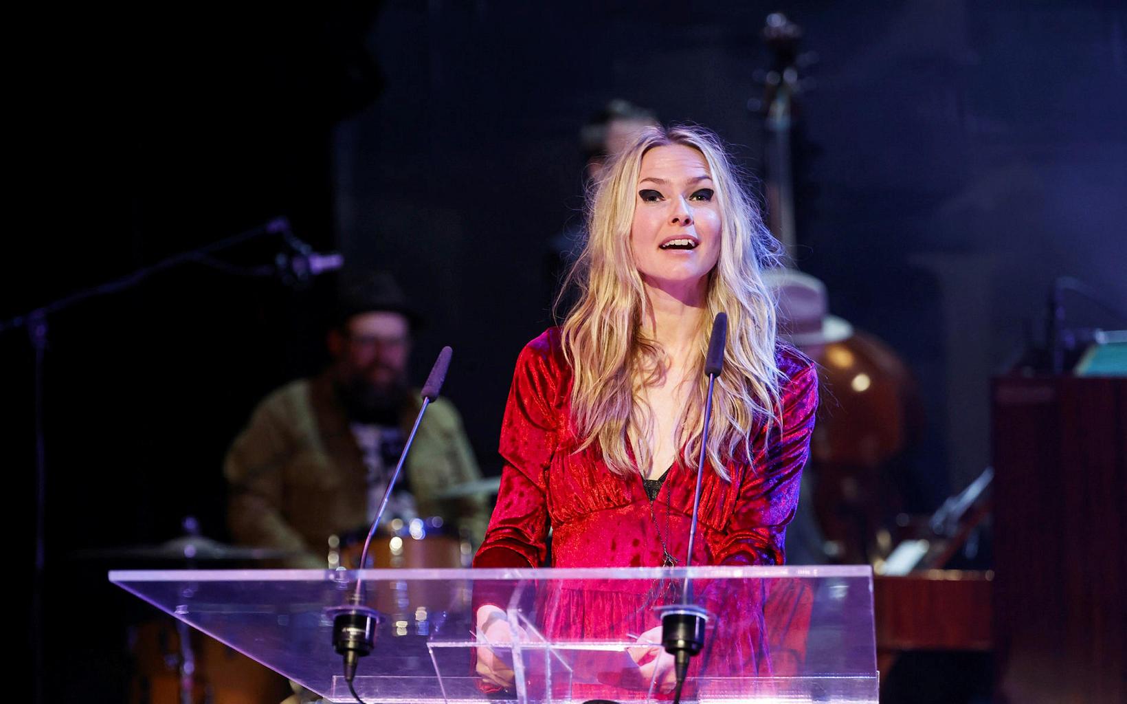 Elín Hansdóttir hlaut Grímuna fyrir leikmynd ársins í Vertu úlfur.