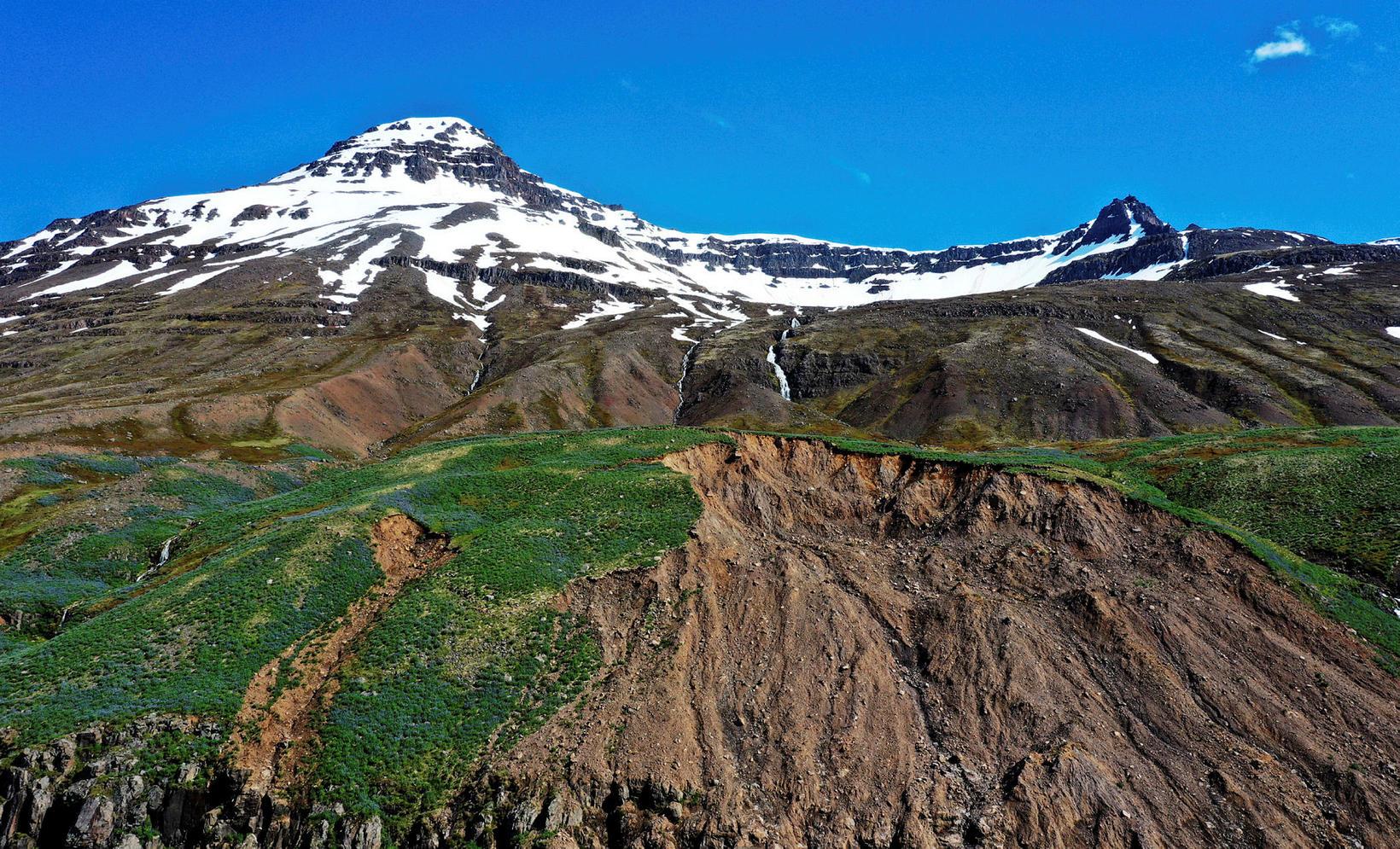 Skriðan sem féll þann 18. desember var gríðarlega stór.