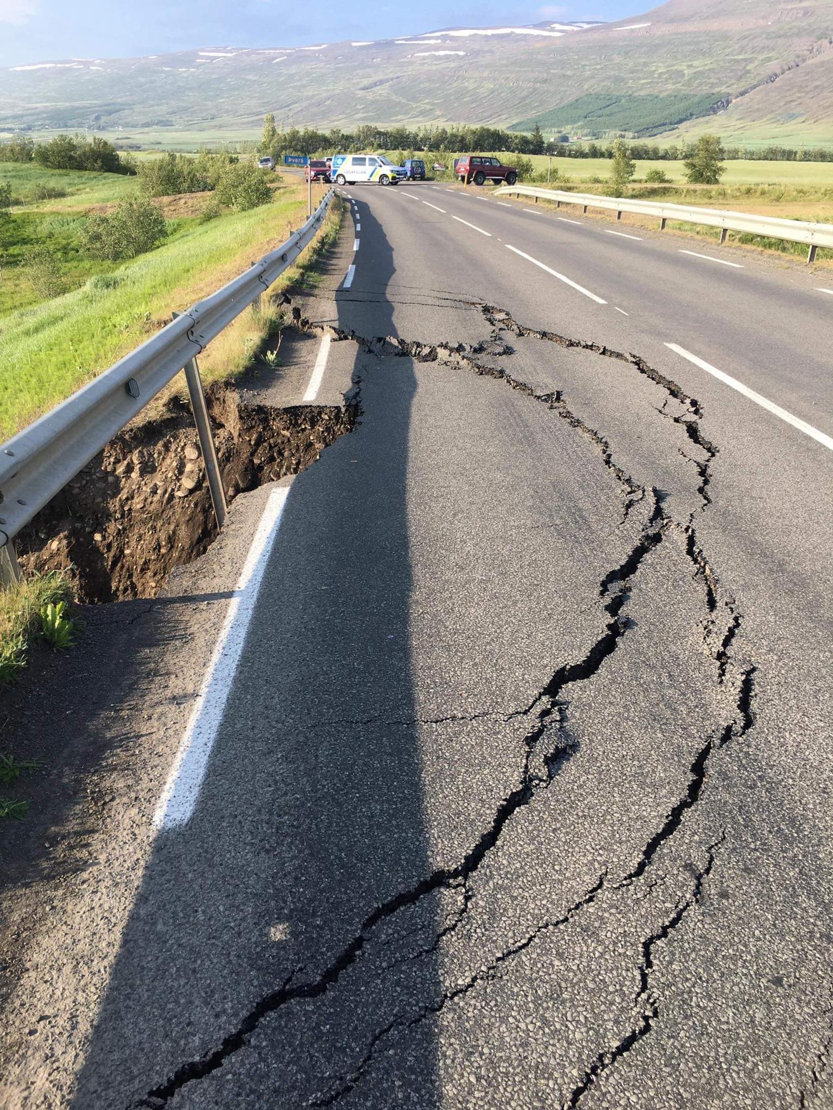 The road near Þverá river is damaged.