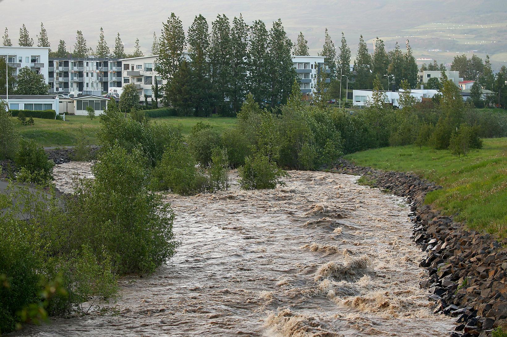 Glerá looks like a glacial river.