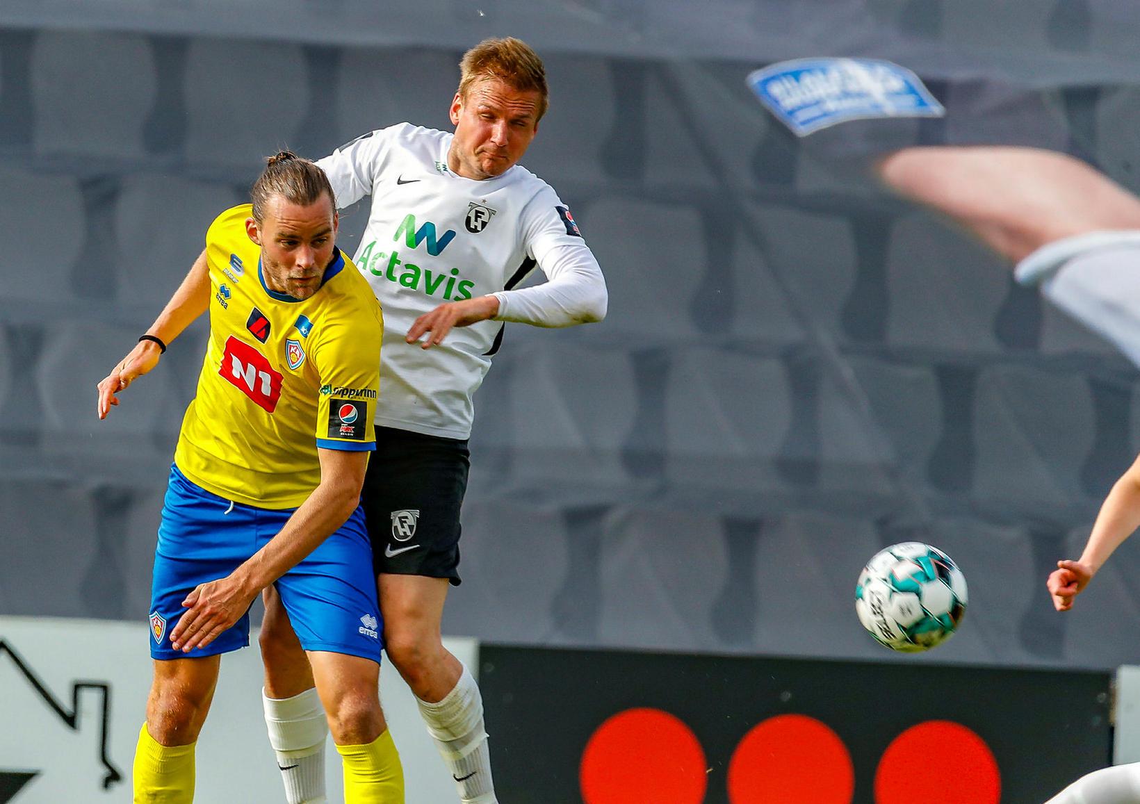 Guðmundur Steinn Hafsteinsson í leik með KA gegn FH í …