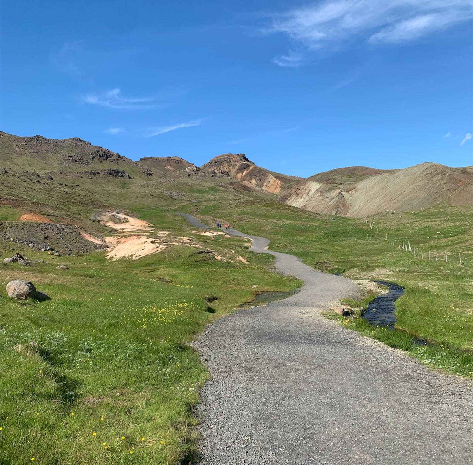 The walking path leads through amazing landscapes.