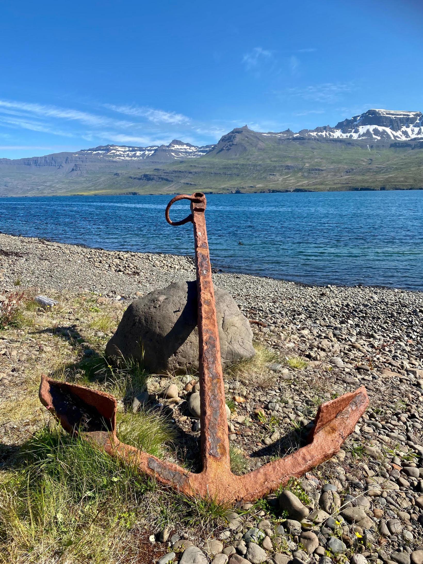 Horft út fjörðinn til suðausturs.