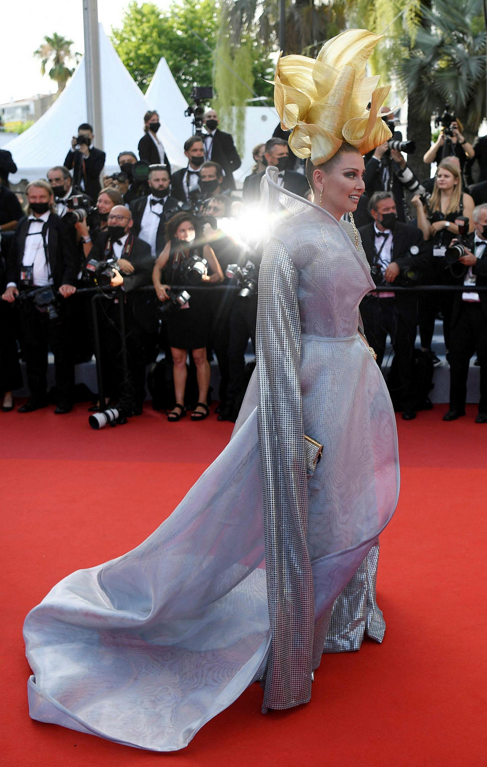 Elena Lenina á sýningu Annette þann 6 júlí í Cannes.