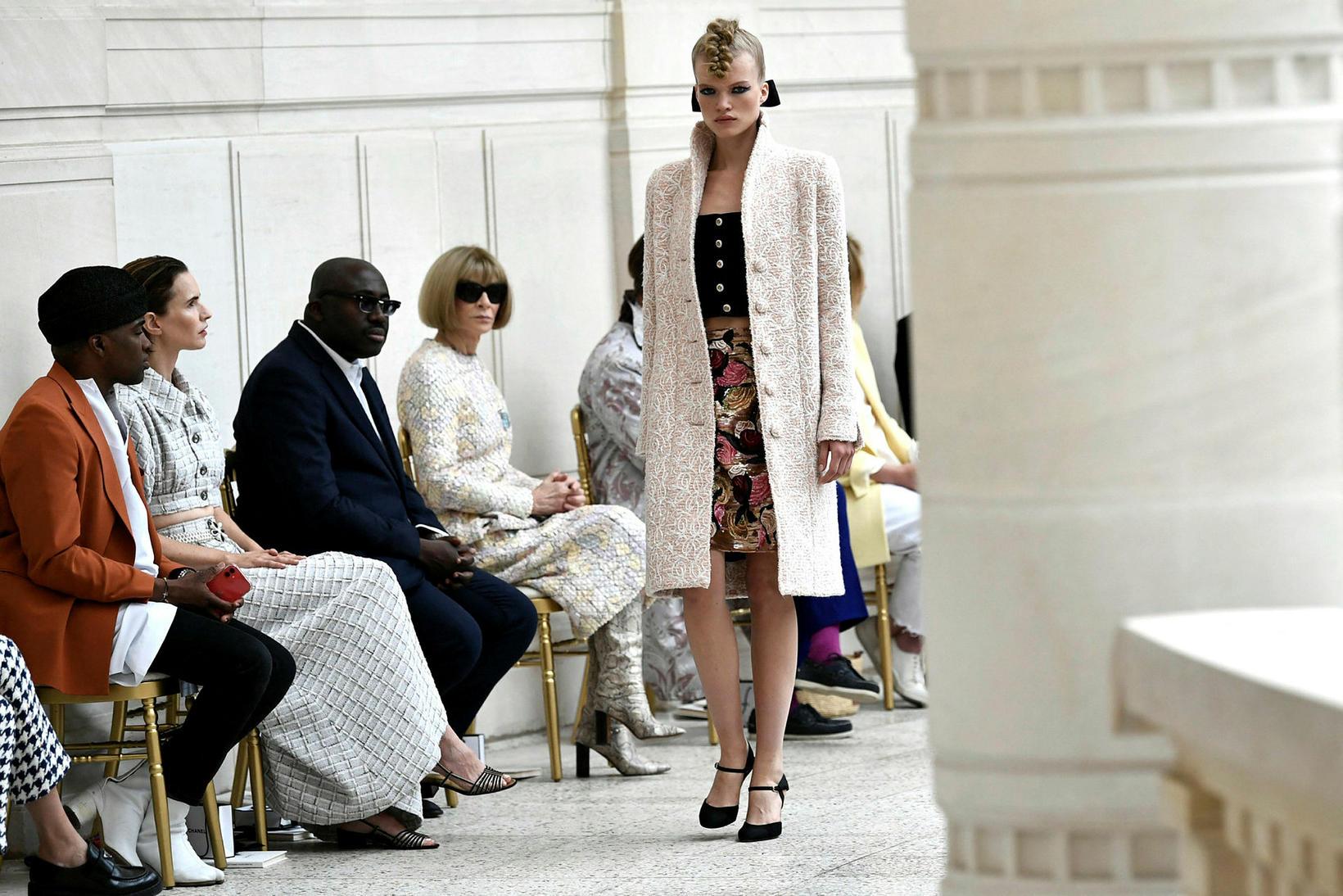 Anna Wintour var mætt á tískusýningu Chanel.