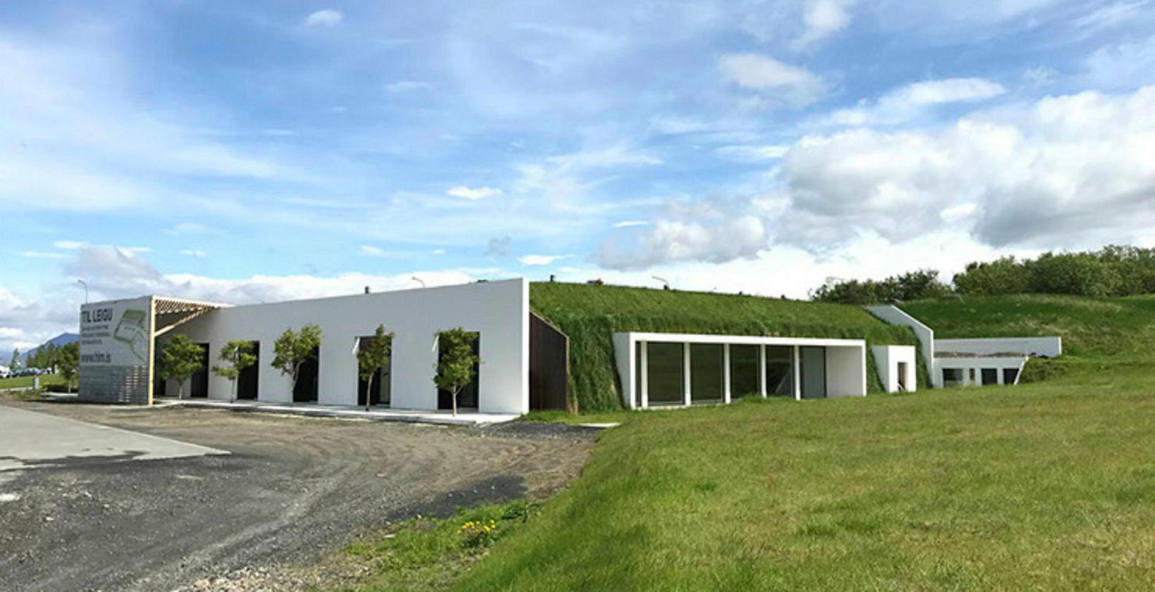 Höfuðstöðin er í gömlu kartöflugeymslunum í Ártúnsbrekku.