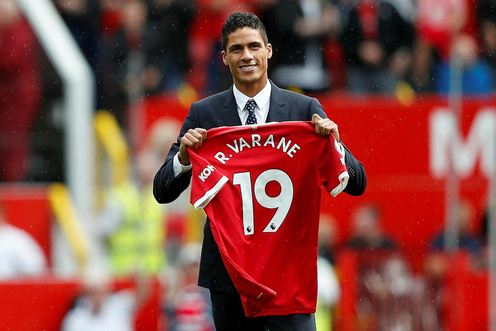 Raphaël Varane er kominn til Manchester United frá Real Madrid …