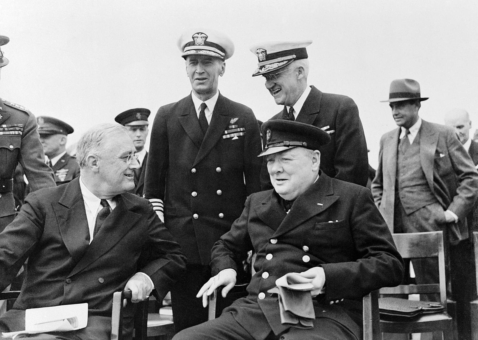 President Roosevelt og PM Churchill on board the Prince of …