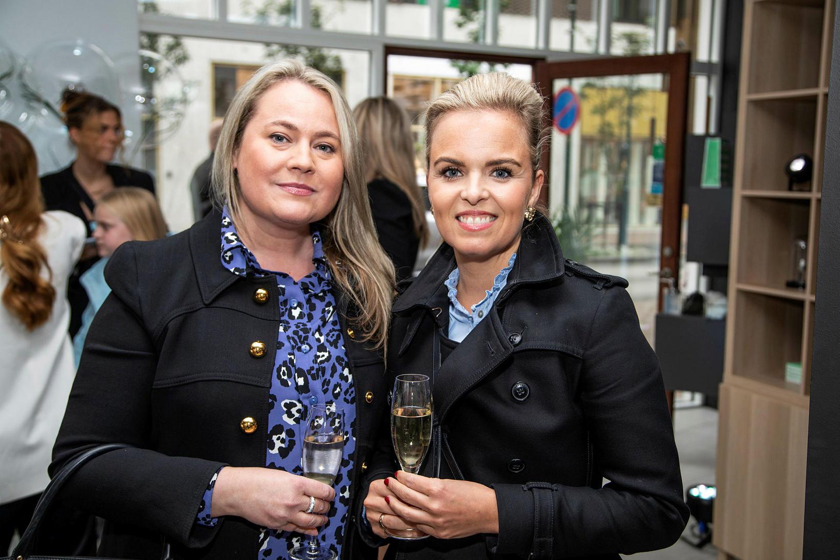 Svanhildur Friðriksdóttir og Guðrún Jónsdóttir.