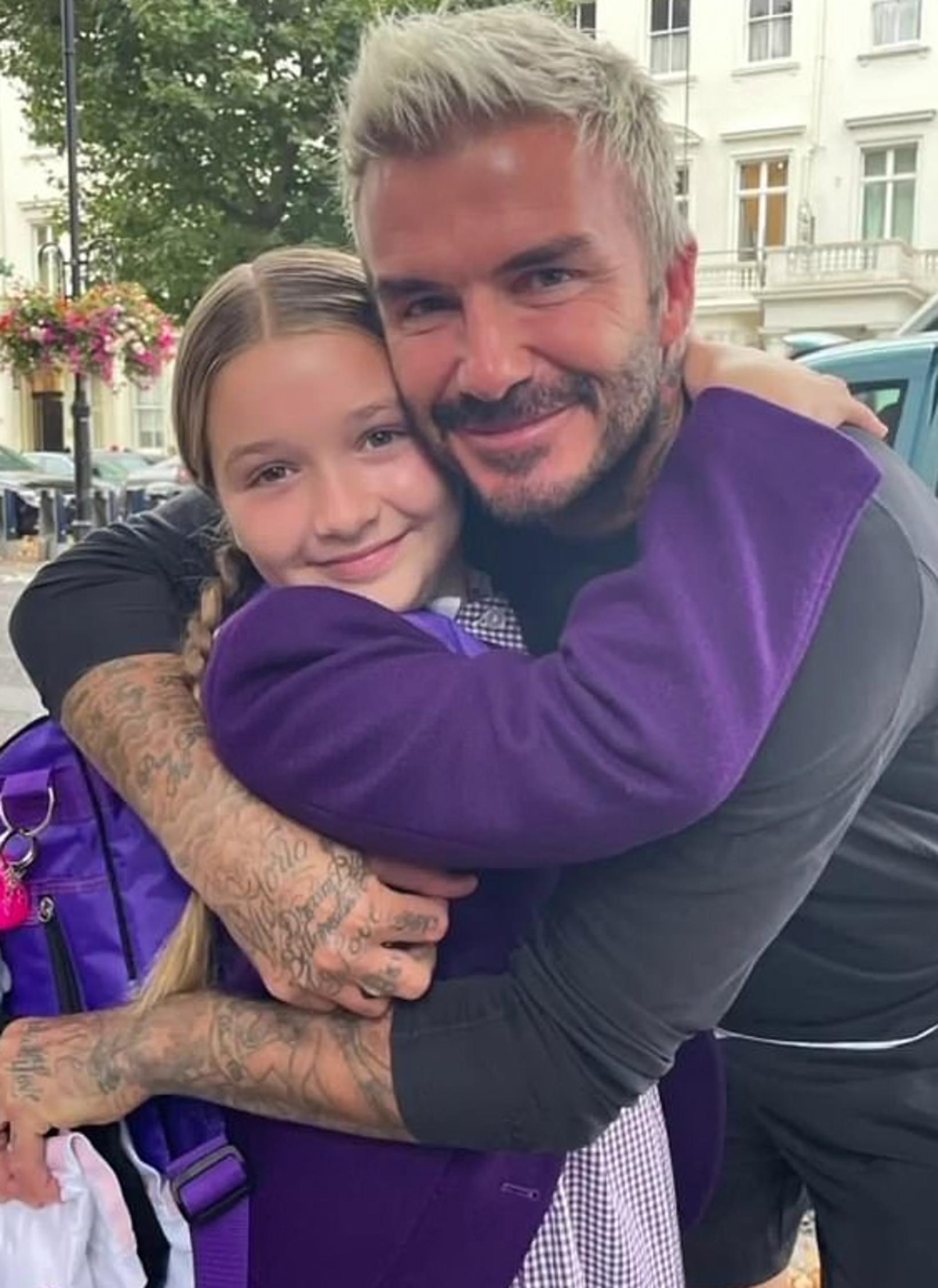 David Beckham vill helst ekki sleppa af henni hendinni.