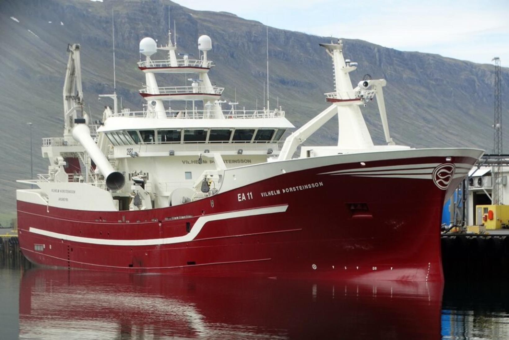 Vilhelm Þorsteinsson EA kom með 1.120 tonn af síld til …