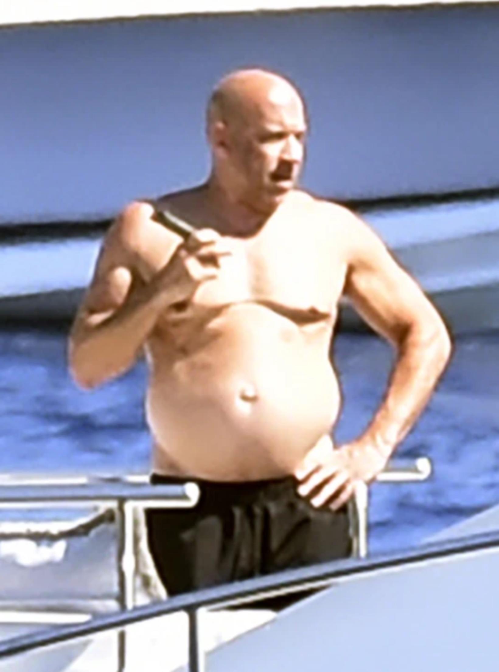 Vin Diesel um borð í snekkju.