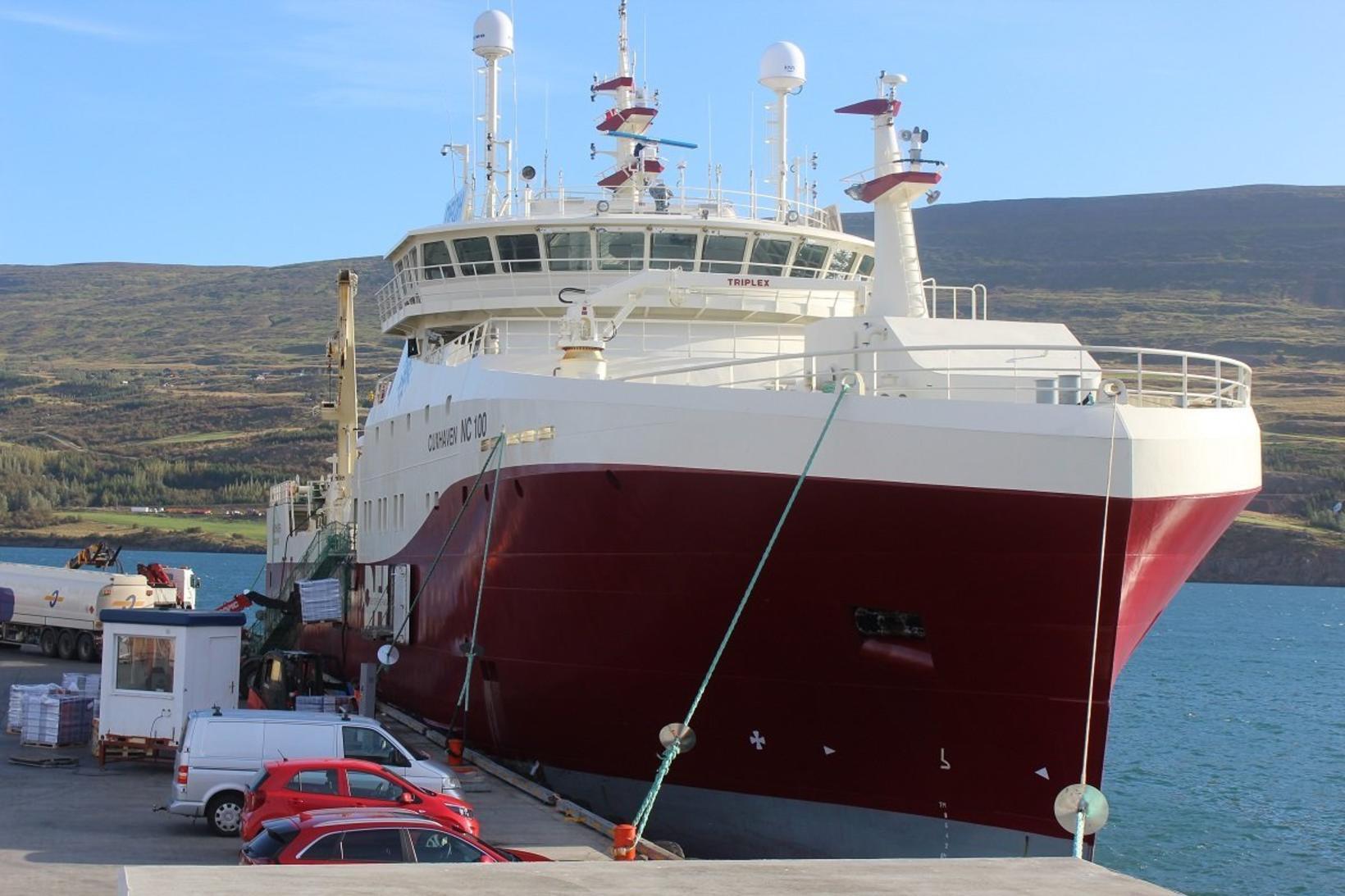 Cuxhaven NC 100 við bryggju á Akureyri.