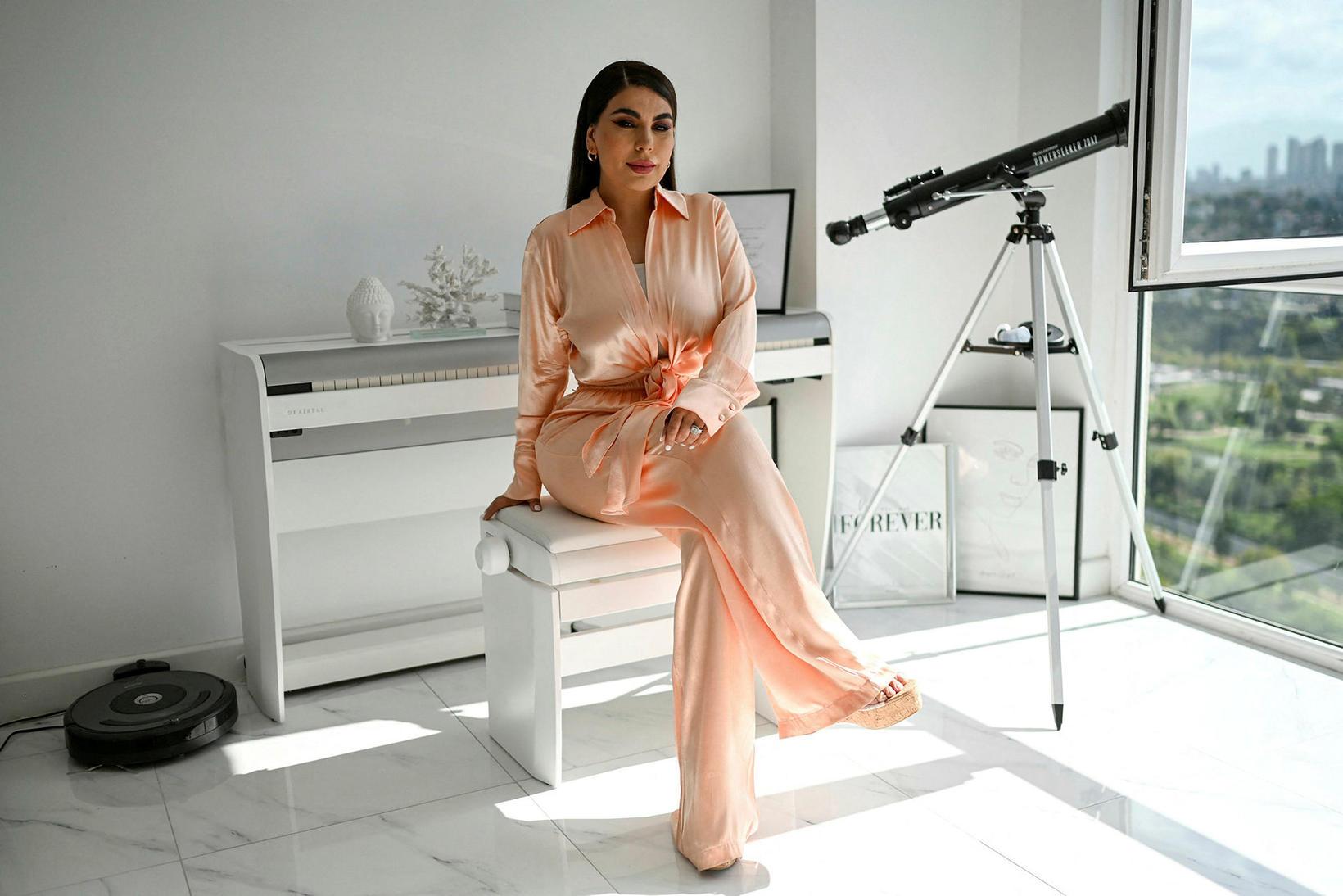 Sayeed er gjarnan líkt við bandarísku raunveruleikastjörnuna Kim Kardashian.