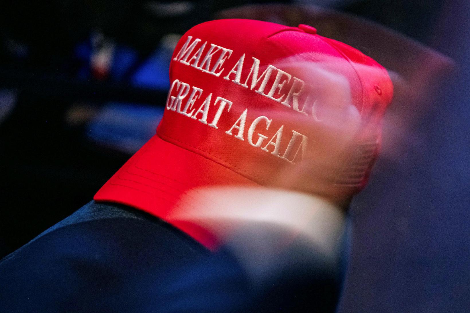 Slagorðið Make America Great Again verður líklega eitt það allra …