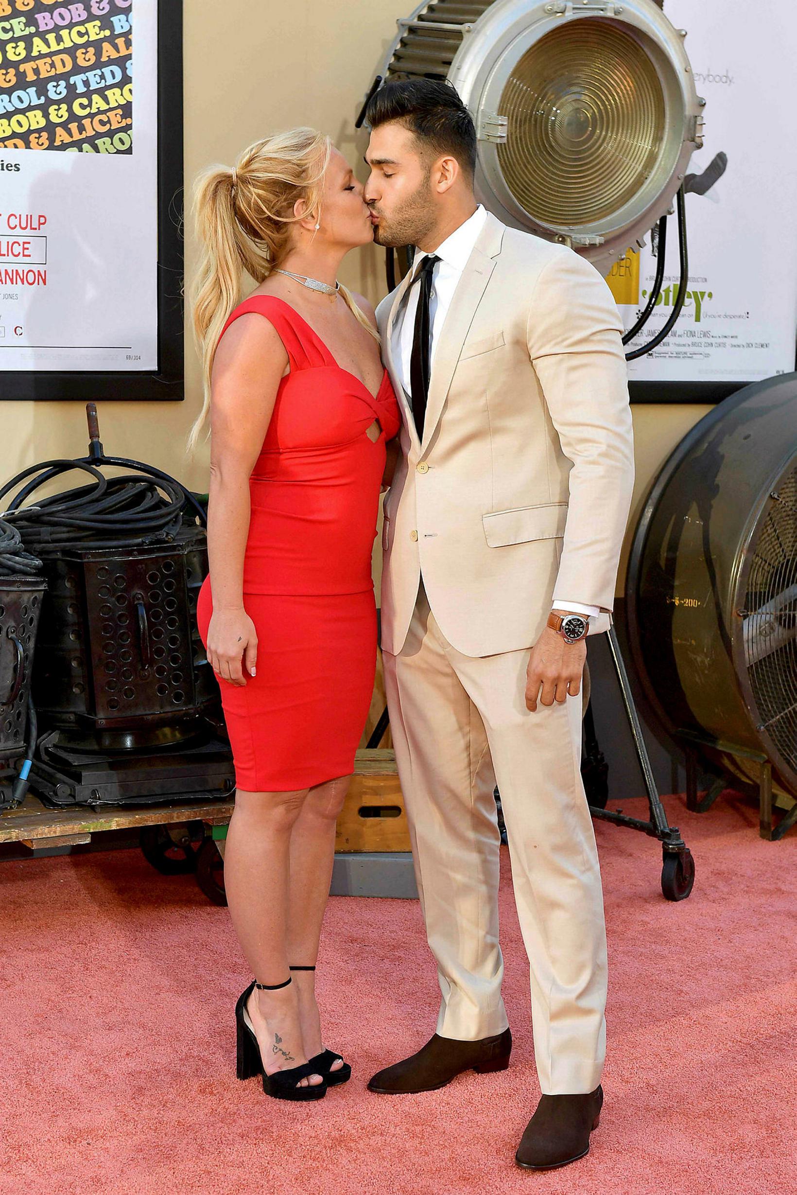 Britney Spears og Sam Asghari eru trúlofuð.