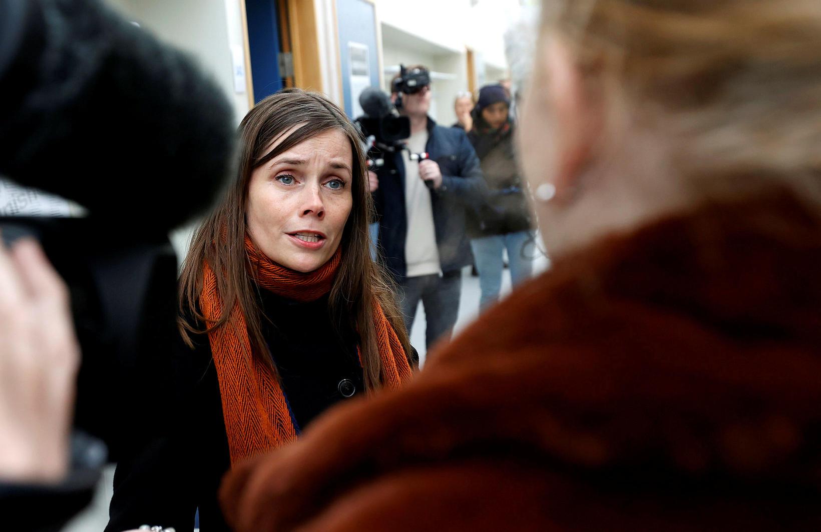 Katrín Jakobsdóttir ræddi við fjölmiðla á kjörstað í dag.