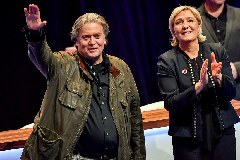 Steve Bannon og Marine Le Pen.