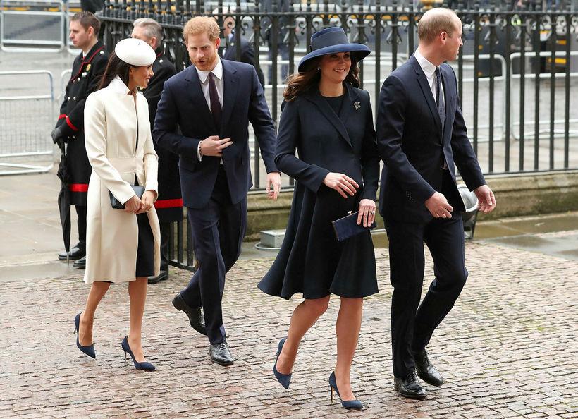 Meghan, Harry, Katrín og Vilhjálmur, öll í sínu fínasta pússi.