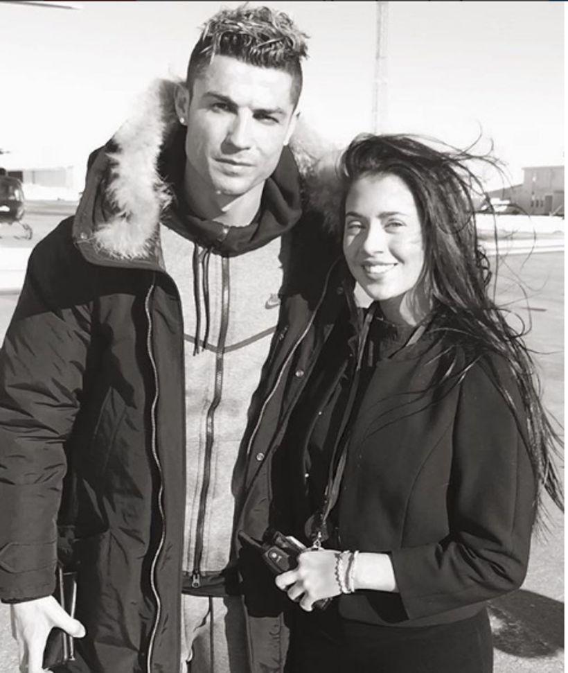 Ronaldo og Elizabeth Tinna, starfsmaður á Keflavíkurflugvelli, rétt áður en ...