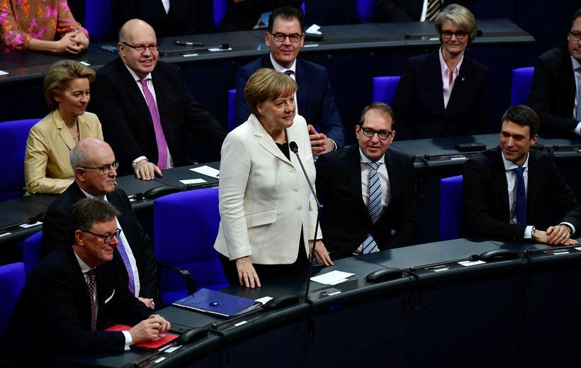 Angela Merkel á þýska þinginu í morgun.