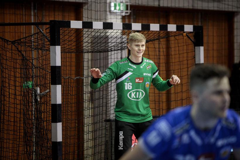 Viktor Gísli Hallgrímsson, hinn efnilegi markvörður úr Fram, er í ...