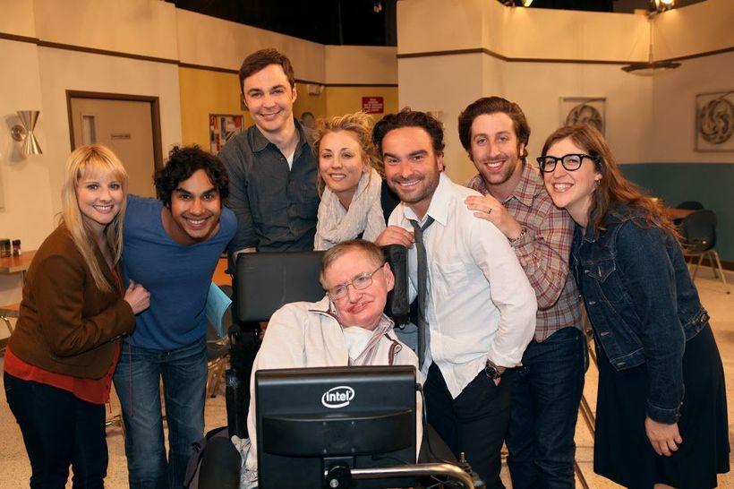Leikarahópurinn í The Big Bang Theory minnist Hawking með hlýju ...