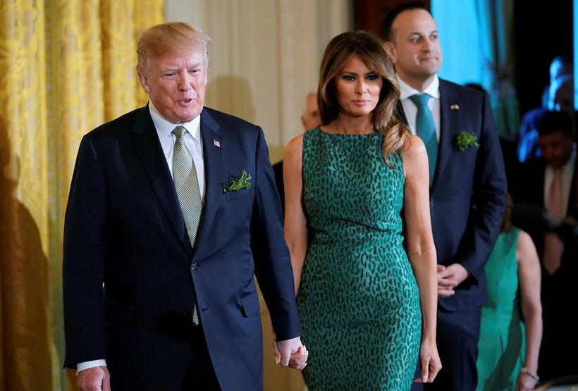 Donald og Melania Trump lögðu áherslu á græna litinn þegar ...