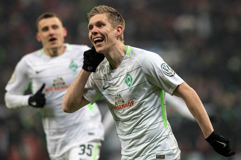 Aron Jóhannsson fagnar marki með Werder Bremen.
