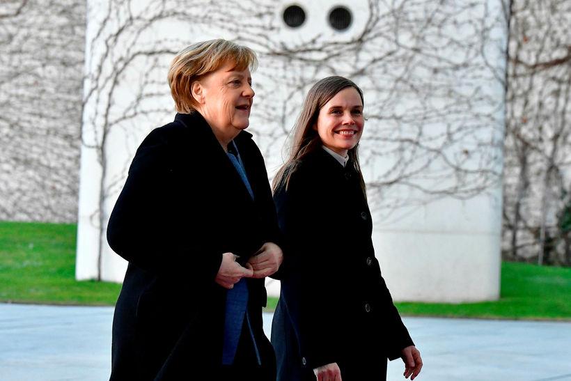 Angela Merkel tekur á móti Katrínu Jakobsdóttur við kanslarahöllina í ...