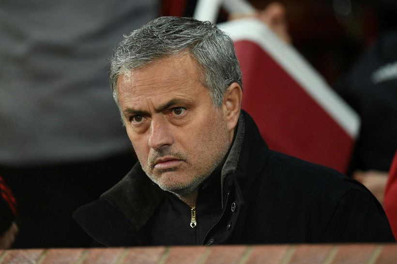 José Mourinho er undir mikilli pressu.