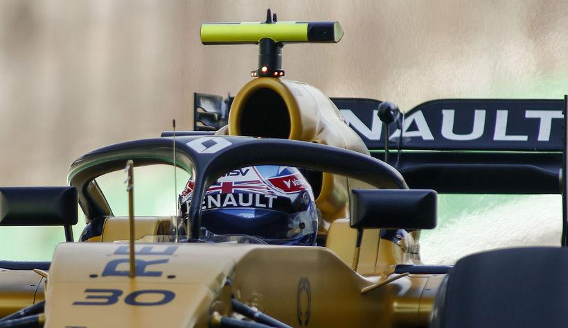 Hjálmhlífin á Renaultbílnum.