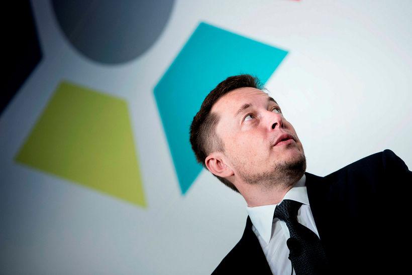 Elon Musk þarf að gegna áfram stöðu forstjóra, eða að ...