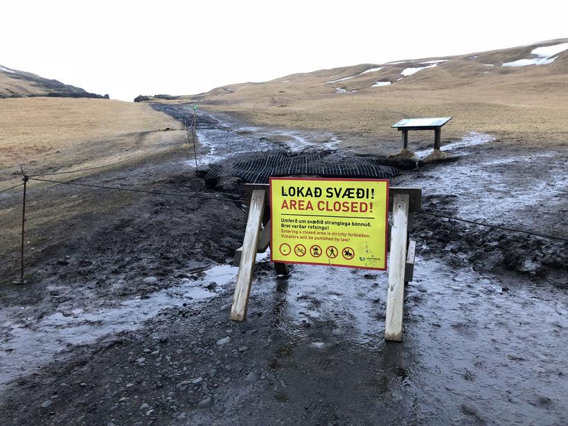 Svæðið við Fjaðrárgljúfur verður lokað til 1. júní að öllu ...