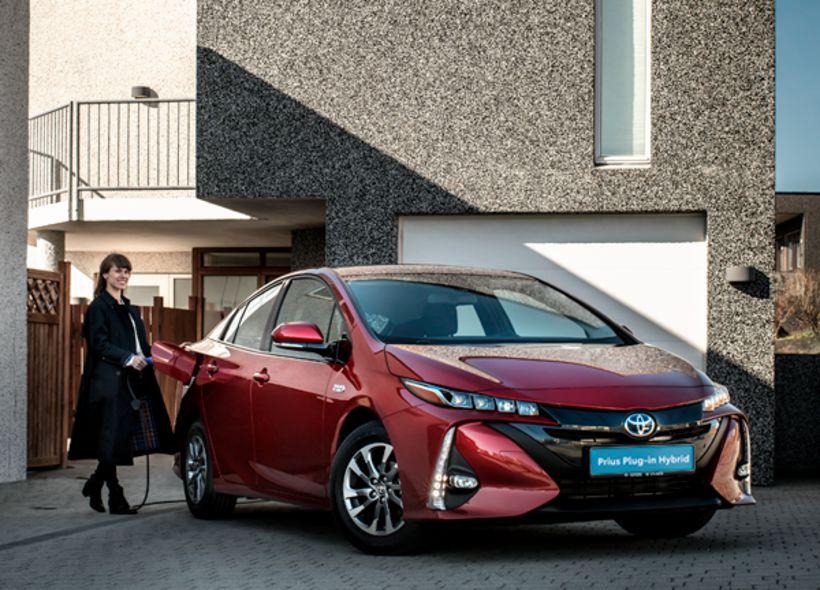 Nýr Prius tengiltvinnbíll verður frumsýndur á sýningu Toyota.