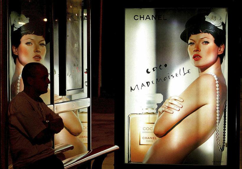Kate Moss rokkuð með perlur.