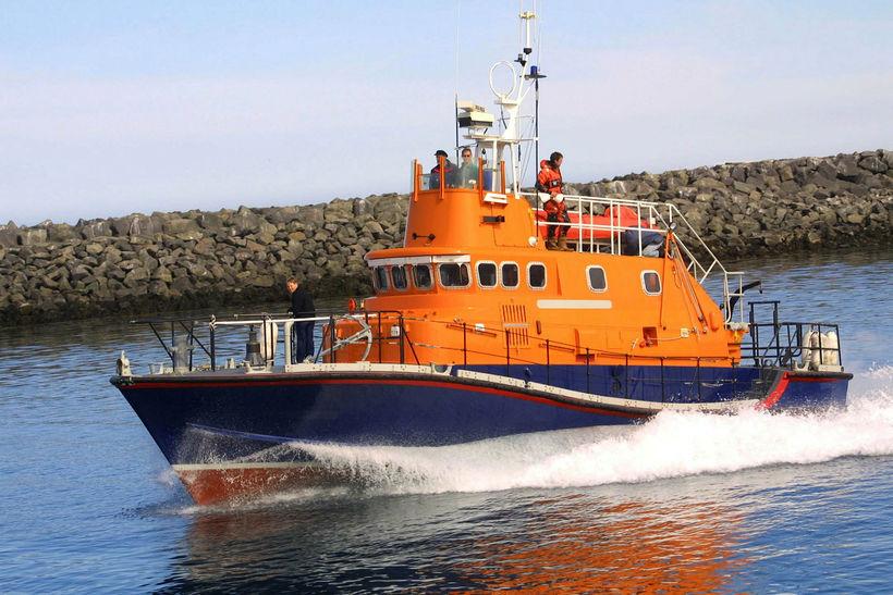 Björgunarskip frá Akranesi sótti vélarvana gúmmíbát í kvöld. Myndin er ...