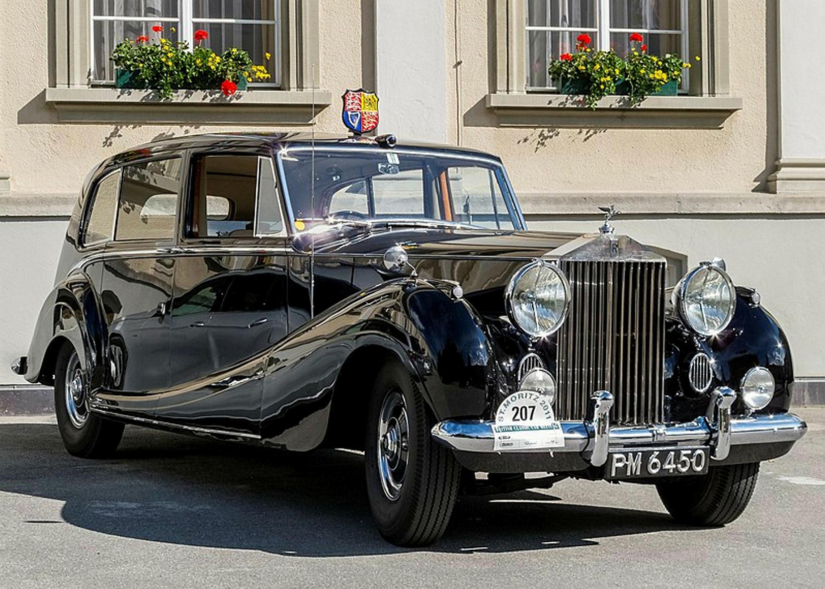Rolls Royce Phantom IV úr On Her Majesty's Secret Service.