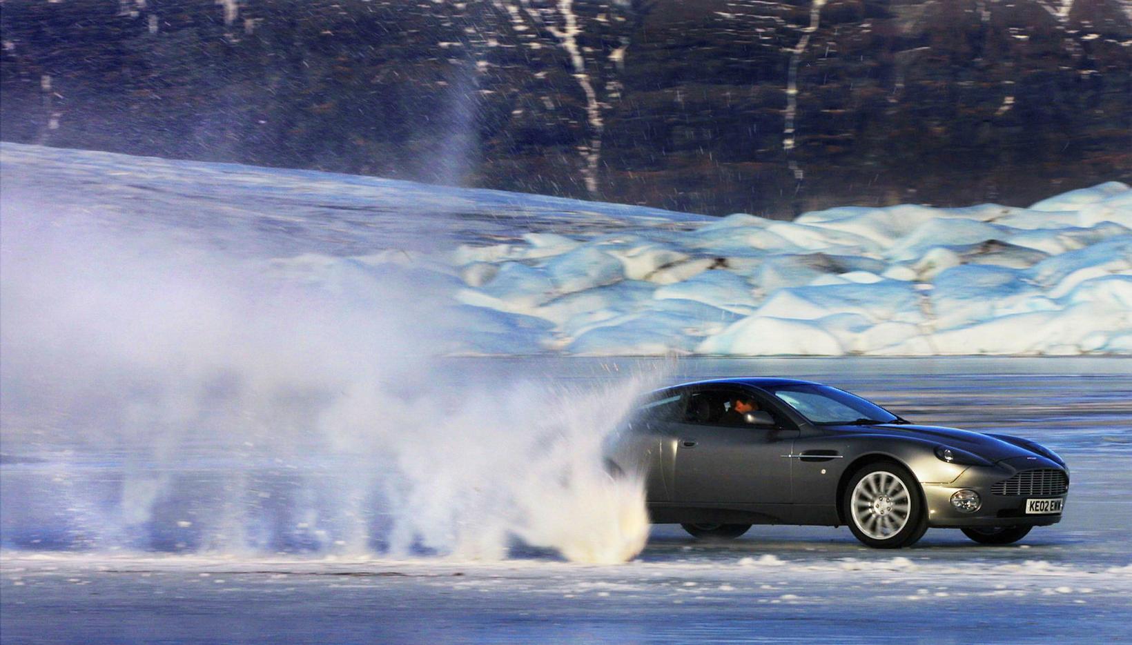 Aston Martin Vanquish á Jökulsárlóni, við tökur á myndinni Die …