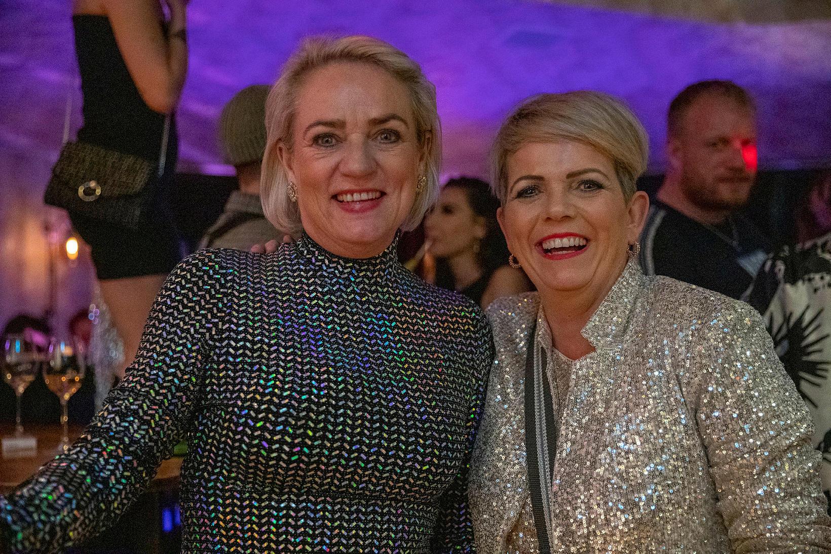 Helga Ólafsson og Erla Brynjarsdóttir.